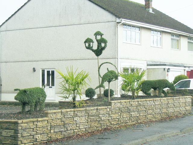 Roadside topiary