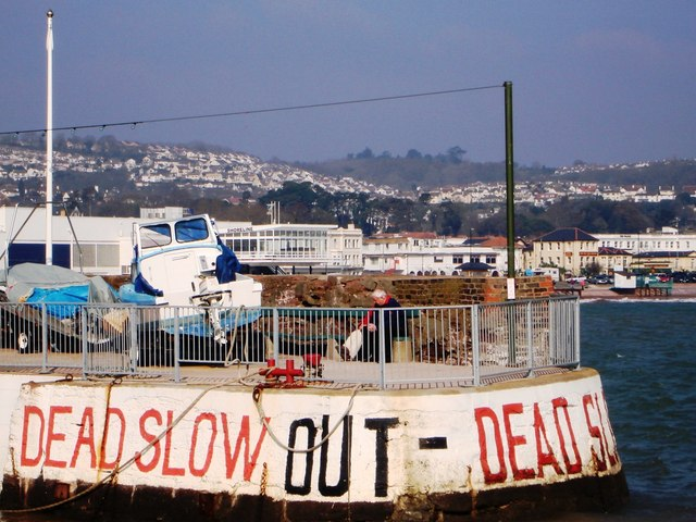 Paignton Harbour arm - Warnings to sea traffic