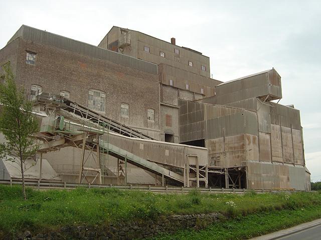 Crushing plant at Caldon Low Quarry