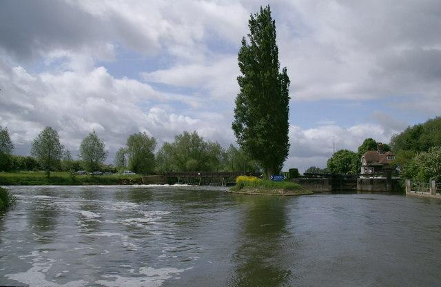 Northmoor Lock and Weir