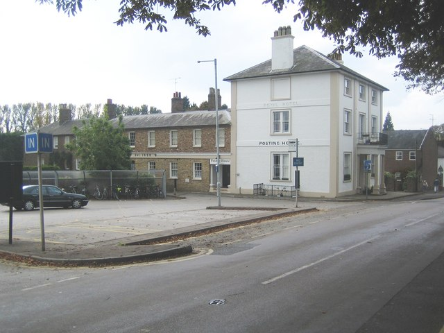 Tring railway station: The former Royal Hotel