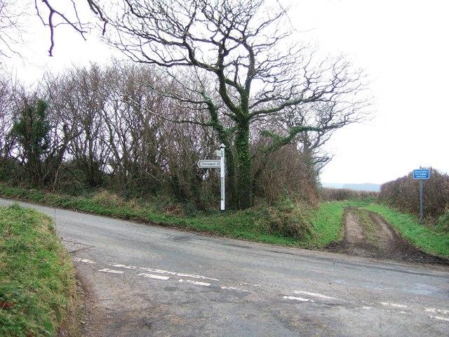 Delve's Grave Cross