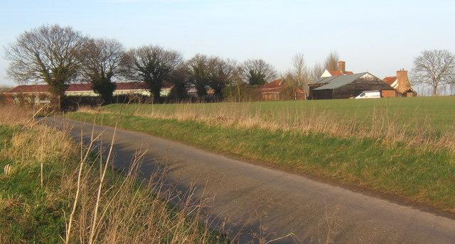 Lane near Bull's Farm, Hemingstone