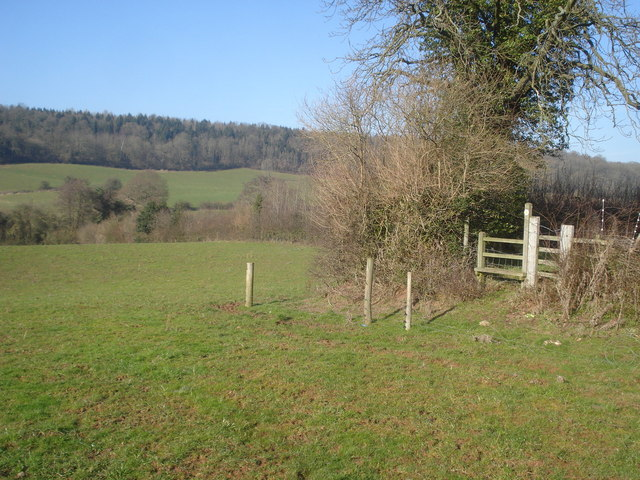 Footpath to Beacon Hill Farm