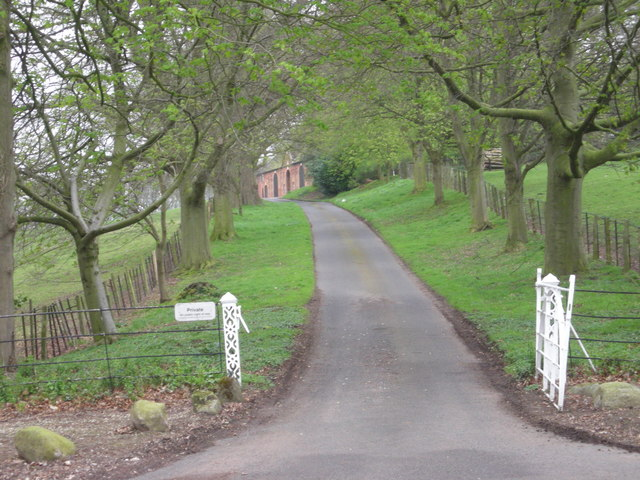 Driveway to Chyknell