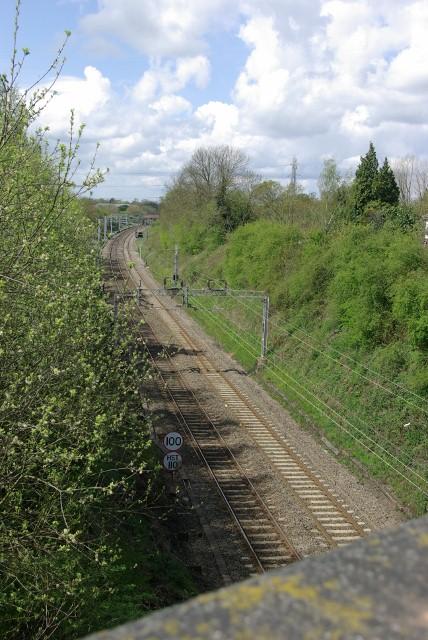 View along the railway from Hodgetts Lane bridge