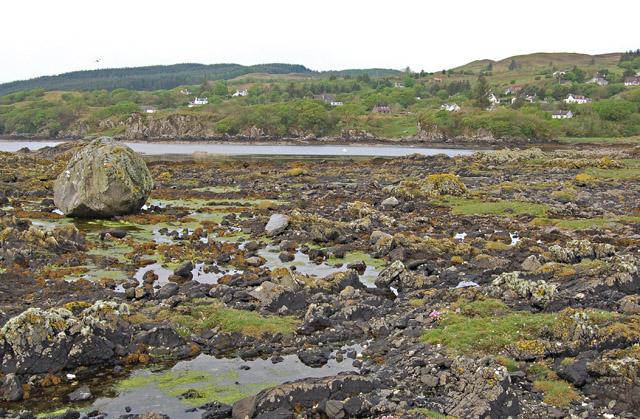 Rocky shoreline south of Rubha Dubh