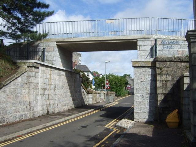 Heightened bridge over Hardgate