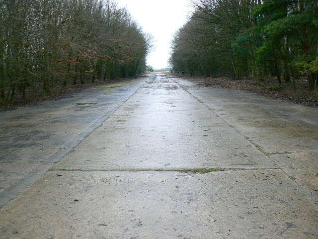 Perimeter track, Down Ampney airfield