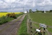 Farm track to Muirhead