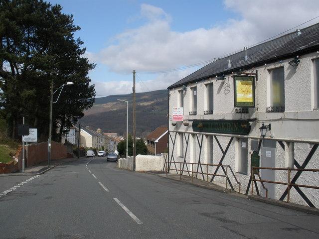 The Royal Oak Inn, Llanwonno Road, Mountain Ash
