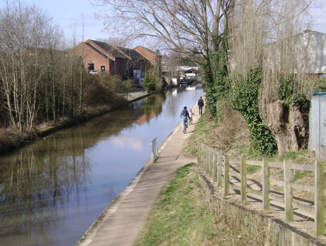 Grand Union Canal, Warwick, at Bridge 48