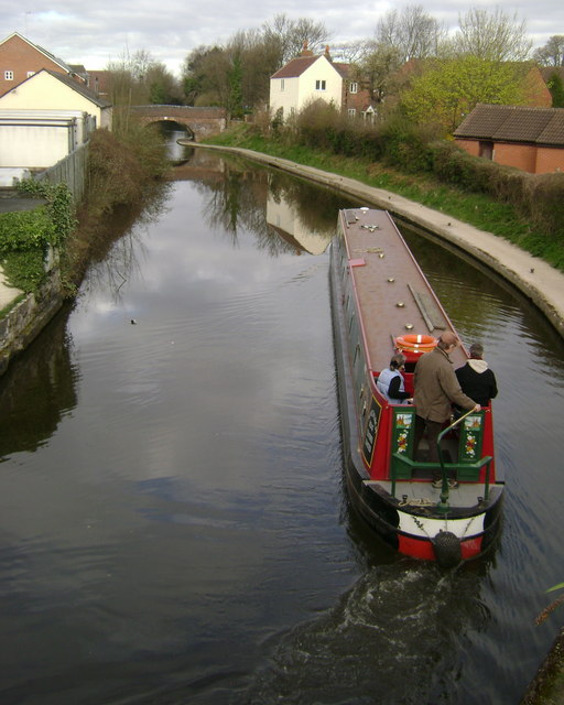 Grand Union Canal from Bridge 46