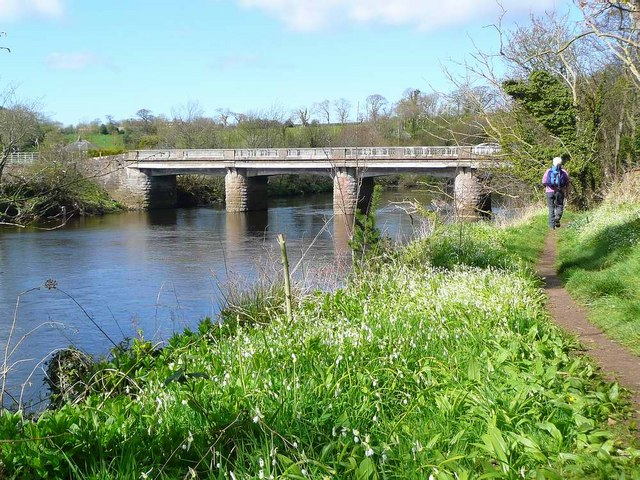 Tarholm Bridge and the River Ayr Way
