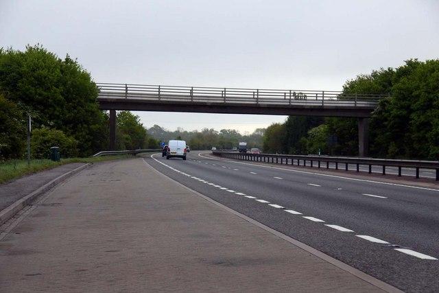 Footbridge over the A34 near Sunningwell