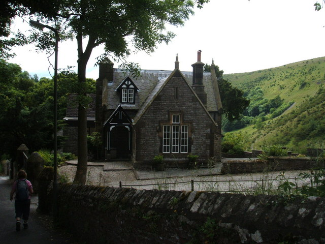 Lodge to Cressbrook Hall