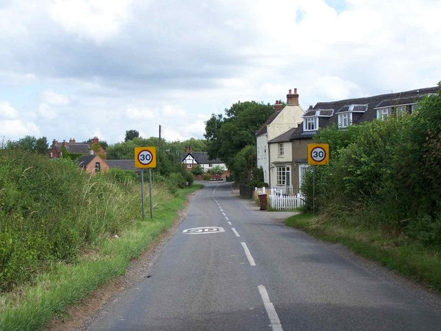 Entering Coton-In-The-Elms