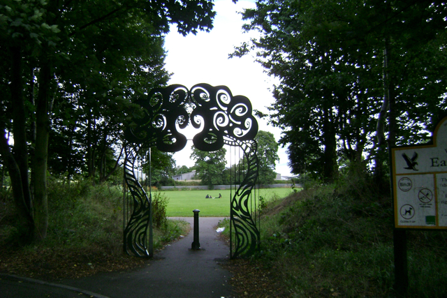 Eagle Rec, Aylesford Street entrance arch