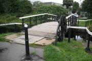 Lifting bridge, Farm Road