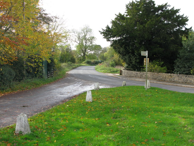 View along the Down Ampney Road out of the village