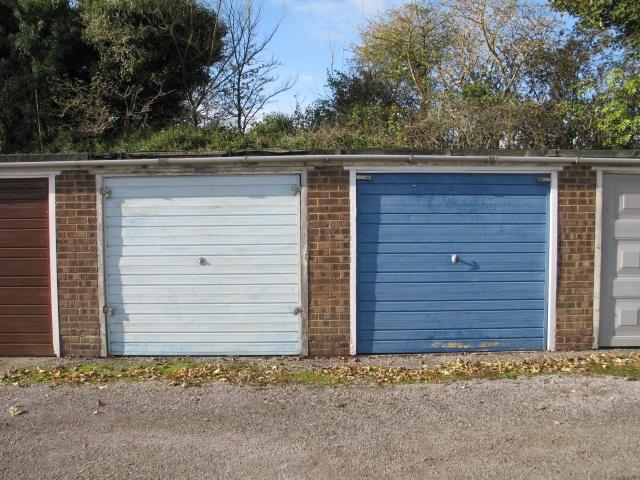 Lock-up Garages, Tring