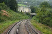 Round the curve to Brimscombe Hill Bridge