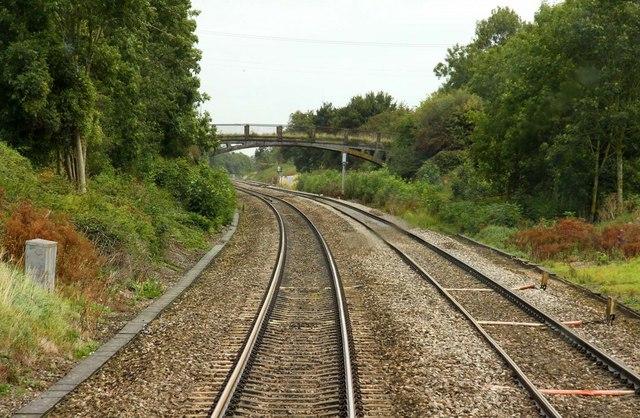Approaching the bridge by Bridge Farm