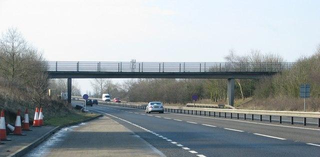 Farm access road over the A34 near Abingdon