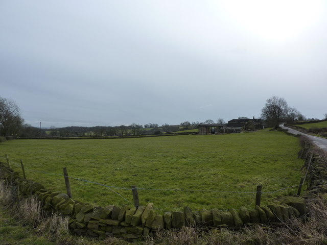 Fields and farm  at Bage Hill