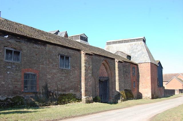 Ridge Ventilated Oast buildings, Bosbury