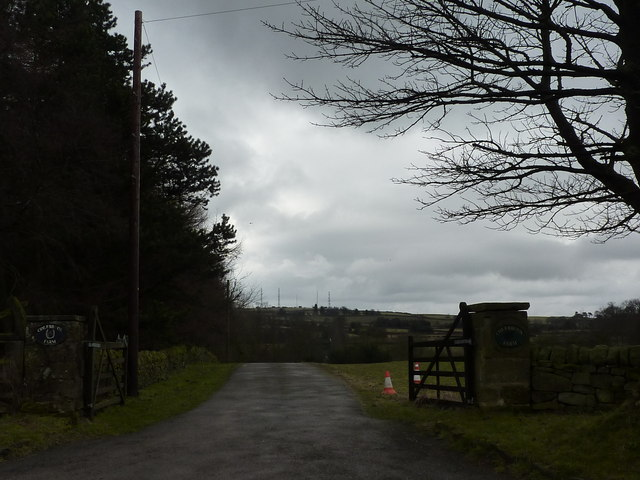 Entrance to Colebrook Farm