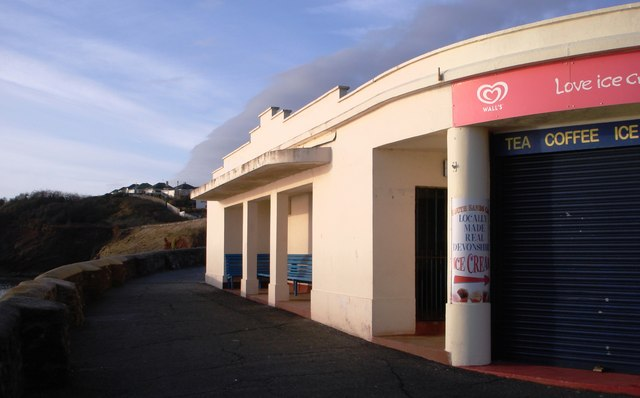 Ice cream kiosk and shelter, Goodrington beach