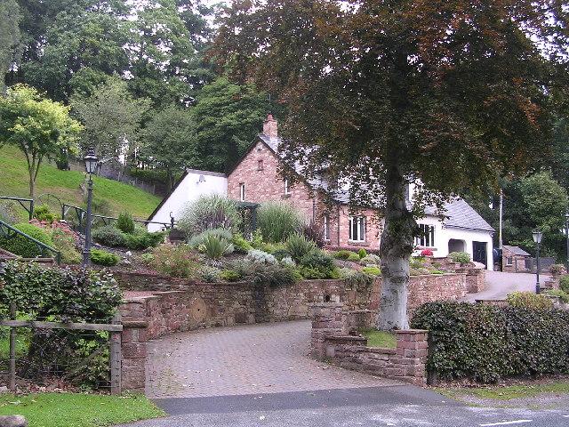 Cottage below Gibbet Hill
