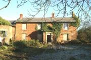 Dilapidated farmhouse, Hall Cross