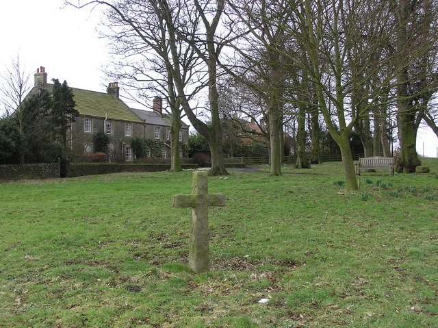 Cross : Cleatlam Village Green