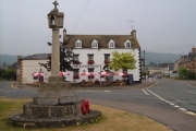 Kings' Stanley: War Memorial and King's Head