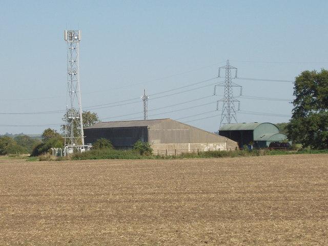 Buildings and radio mast, Baker's Farm, near Waterperry